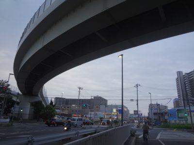 八潮駅と駅前にあるショッピングモールのフレスポ八潮