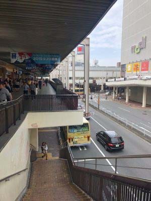 JR駅からバスセンターへ