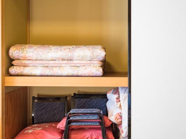押入れに布団を直置きするイメージ