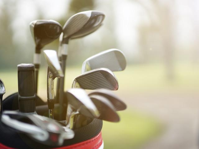 ゴルフクラブを収納するイメージ